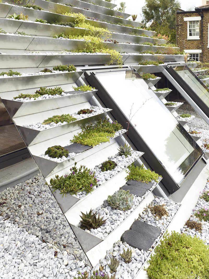 Terraced roof garden stones