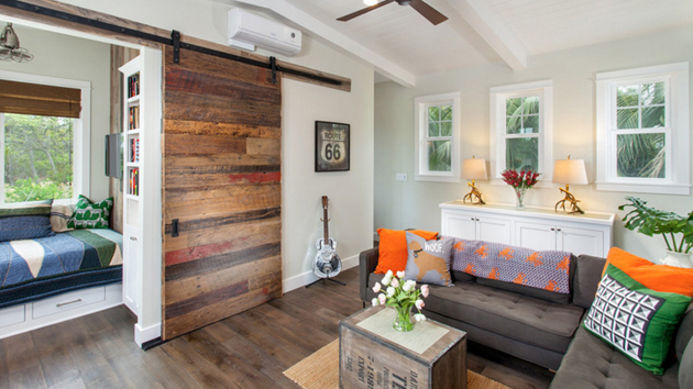 20 Lovely Wooden Sliding Doors in the Living Room | Home ...