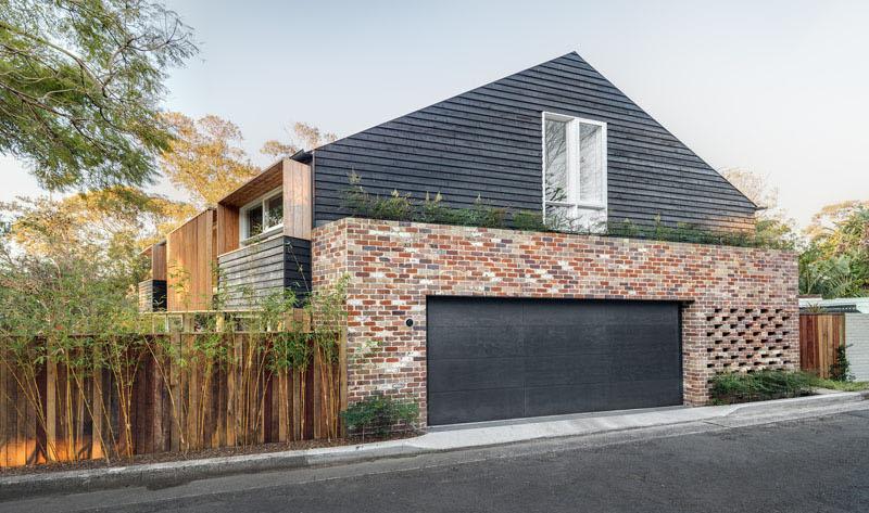 Barn House garage