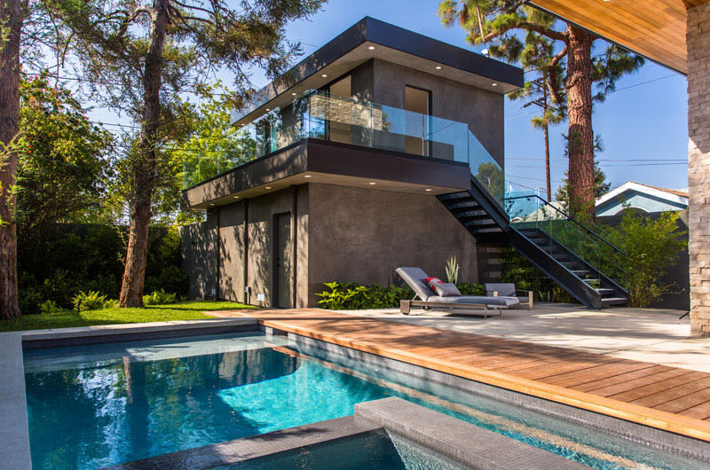 Mid century modern palms residence in venice california for Pool designs venice