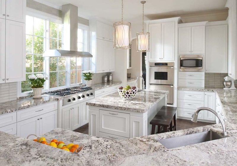 Lucia Kitchen15
