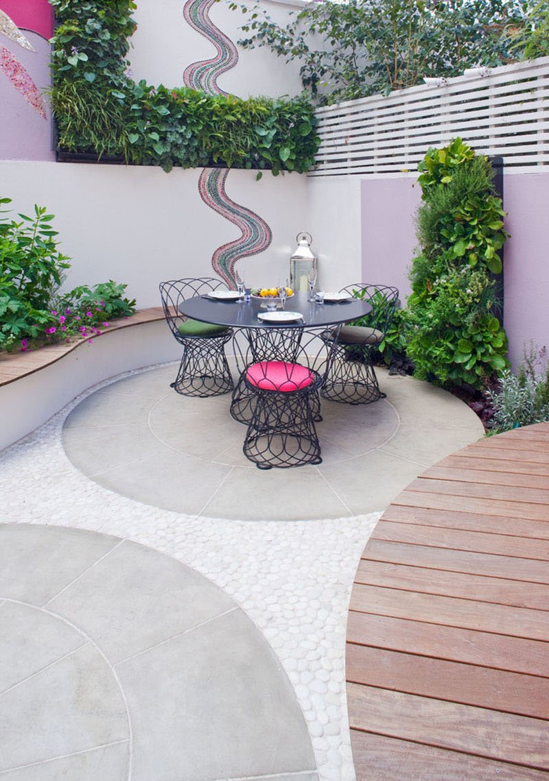 Notting Hill pink patio
