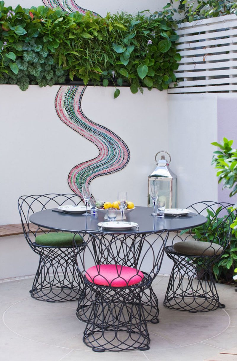 Notting Hill pink patio dine