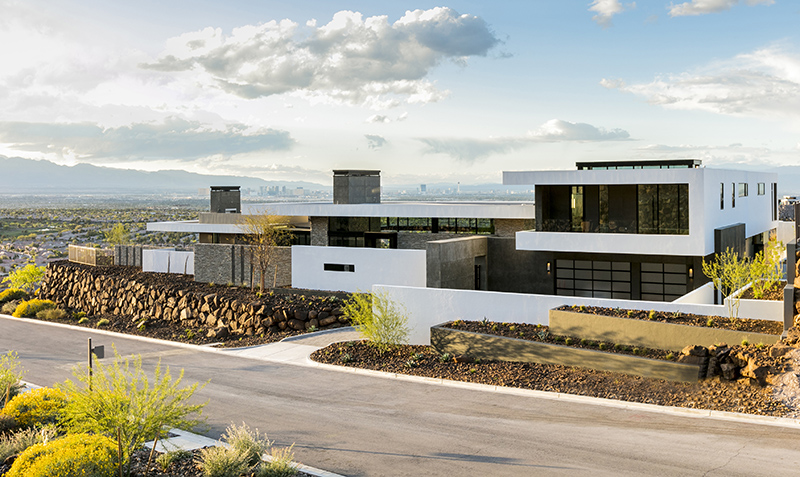 Sb architects designs a foothill home with lifestyle for Desert style house plans