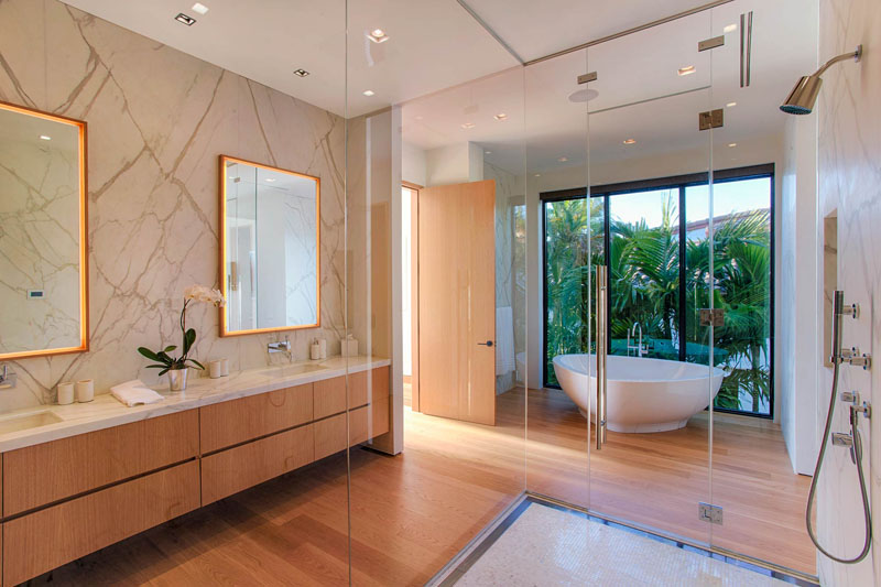 glass surround bathroom