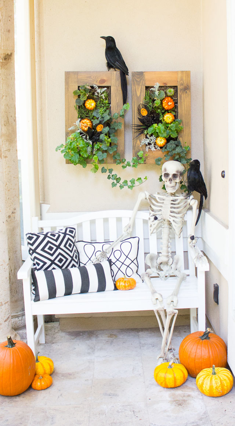 5 steps for a Spooky Halloween Front Porch
