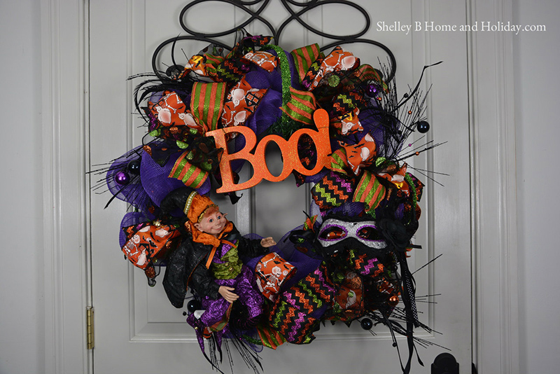Halloween Wreath w RAZ Halloween Elf SBO