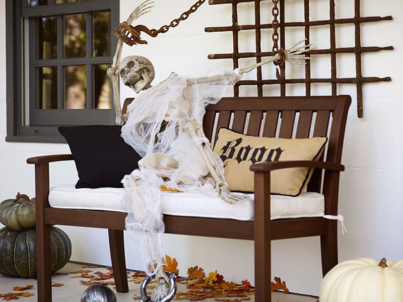 Skeleton Greeter