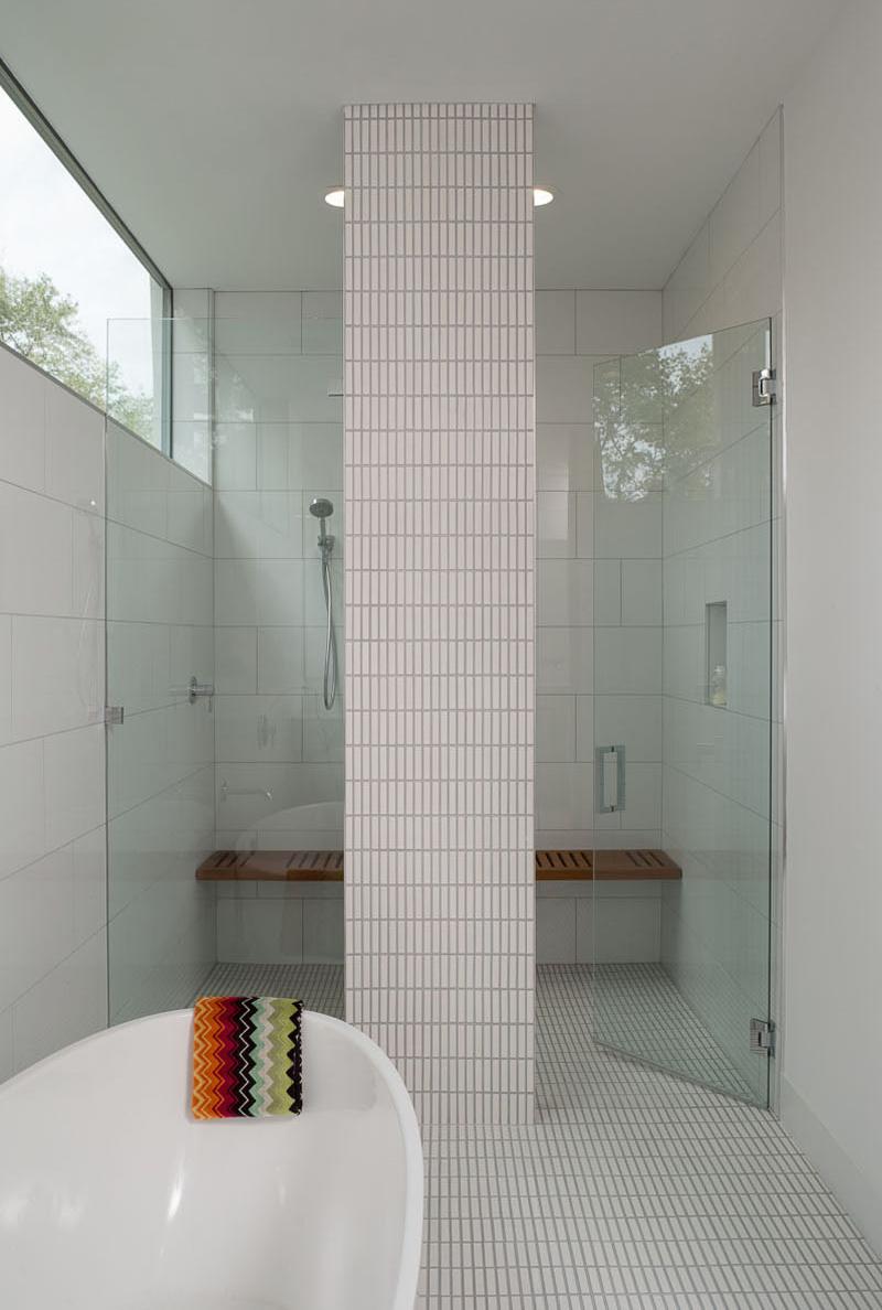 Palma Plaza Spec master bathroom