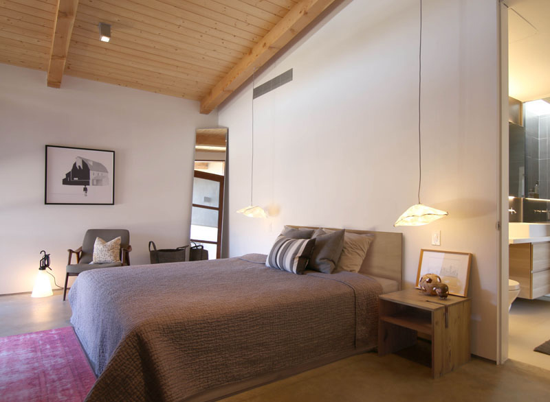 Chino Canyon guest bedroom