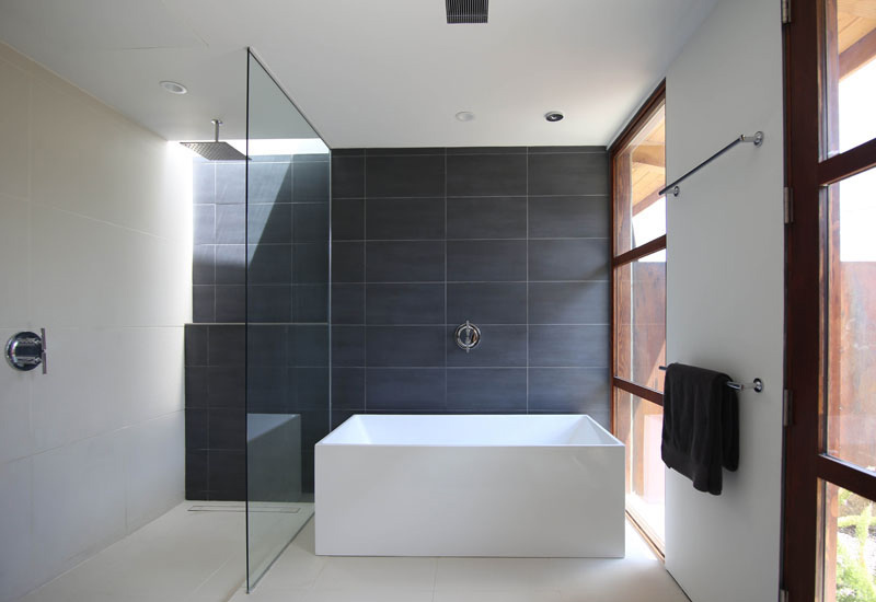 Chino Canyon master bathroom