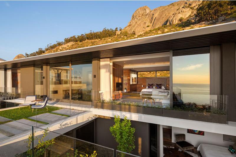 Sea Lion balcony