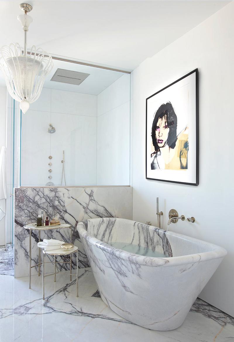 Golden Coast Penthouse bathroom