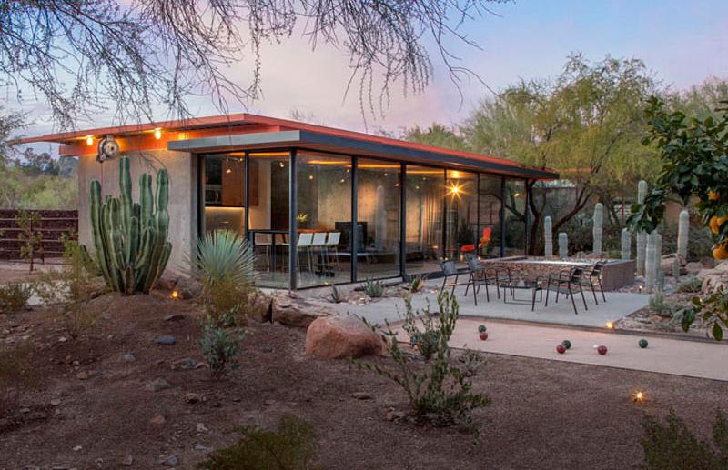 Barn House desert