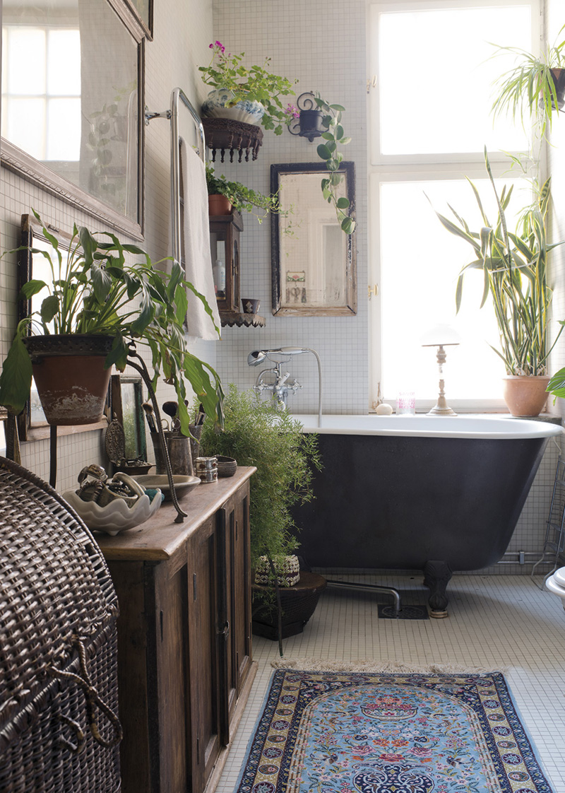 20 Stylish and Relaxing Bohemian Bathroom Designs