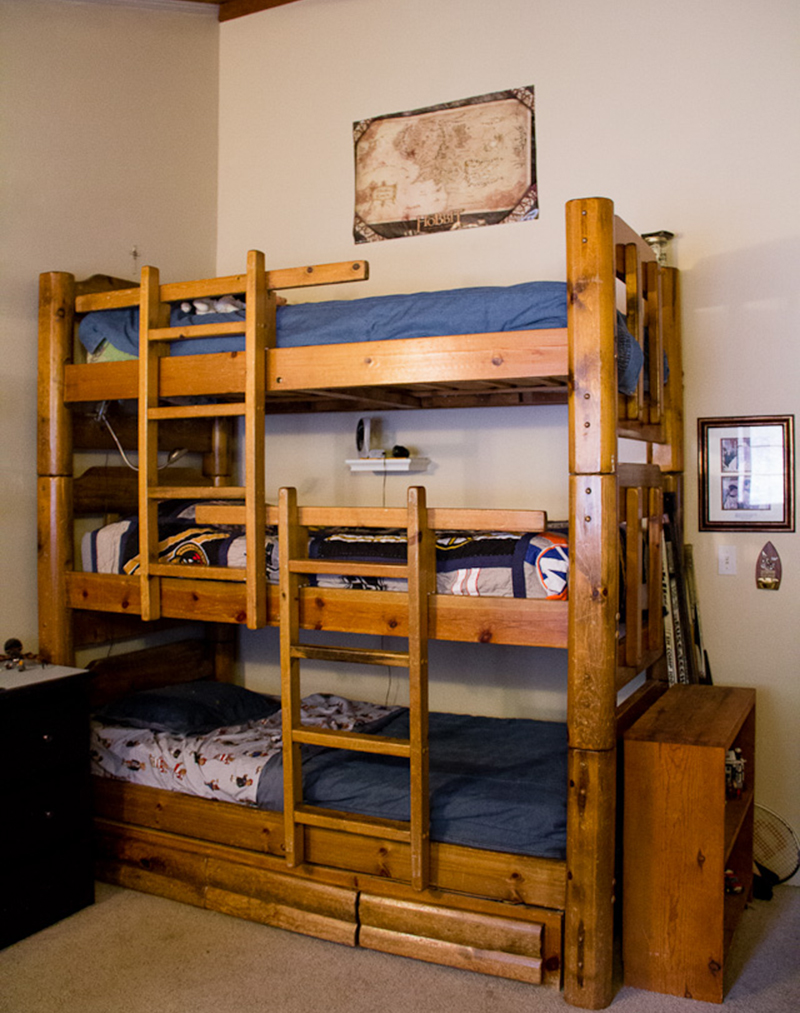 20 Stylish Space Saving Triple Bunk Beds Home Design Lover