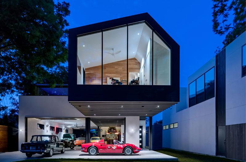 Autohaus window