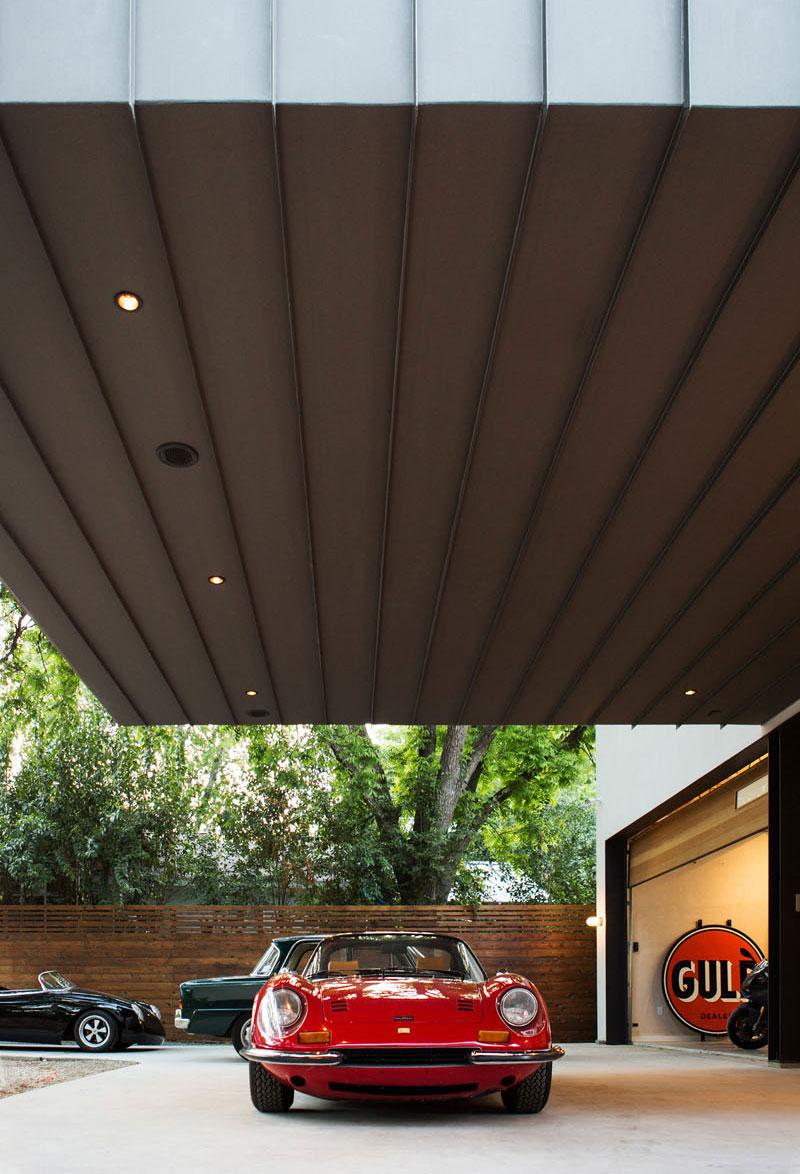 Autohaus cantilever