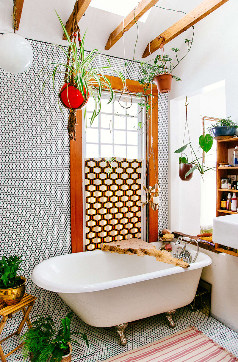 20 Stylish And Relaxing Bohemian Bathroom Designs Home Design Lover