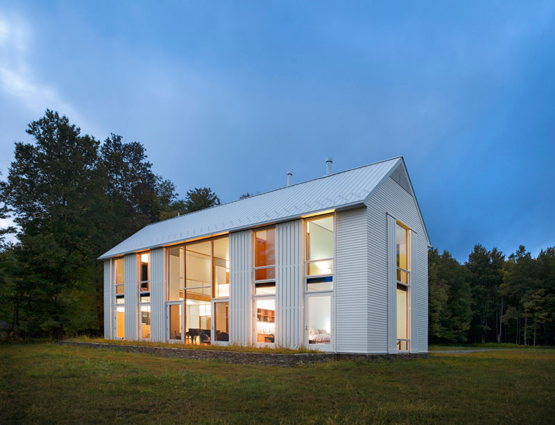 A Modern Farmhouse In Pennsylvania With Rolling Sunshades