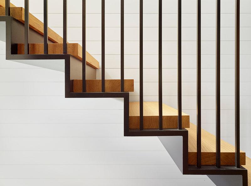 Hale Nukumoi stairs