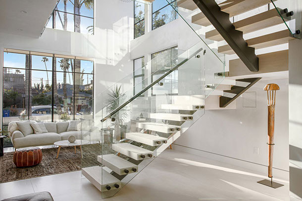 Clean glass railing