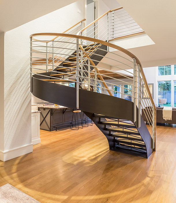 Curved sweeping staircase