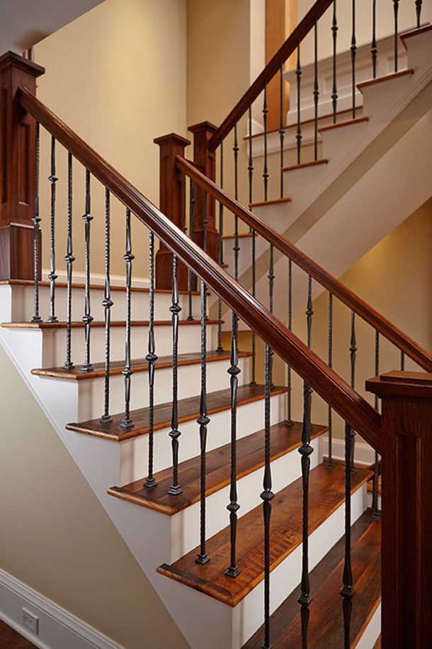 U-shaped staircase railing